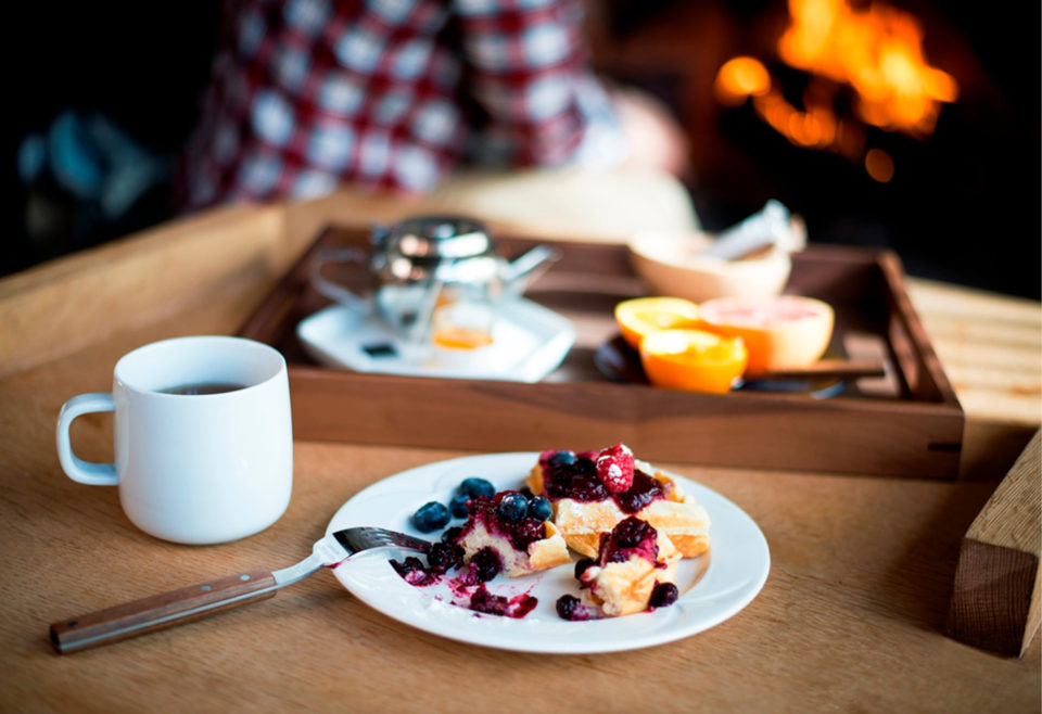 NEAR OR FAR, CELEBRATE MOTHER'S DAY WITH FAIRMONT HOTELS IN CANADA'S WESTERN MOUNTAIN REGION
